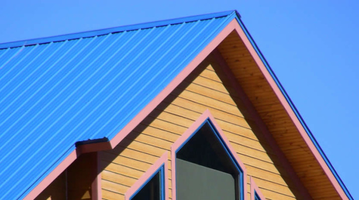 Should You Replace a Shingle Roof with Metal Roofing