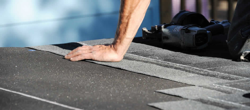 What are the Pros & Cons of a Tear-Off Roofing in Michigan?