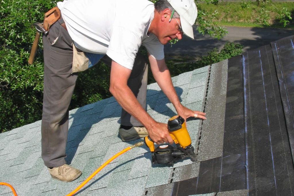 Roofers in Canton, Michigan