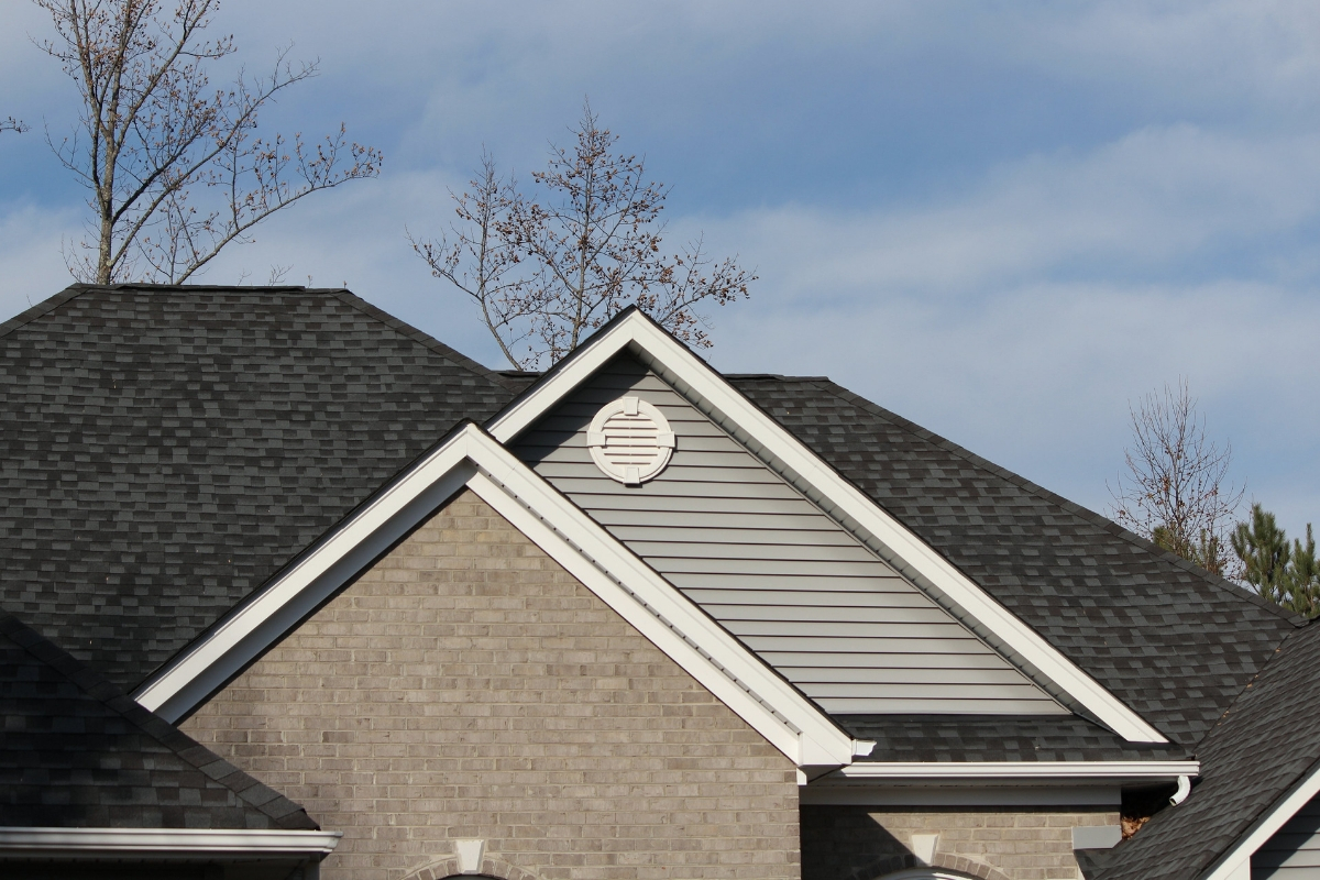 Commercial Roofing Tips For Those In Michigan