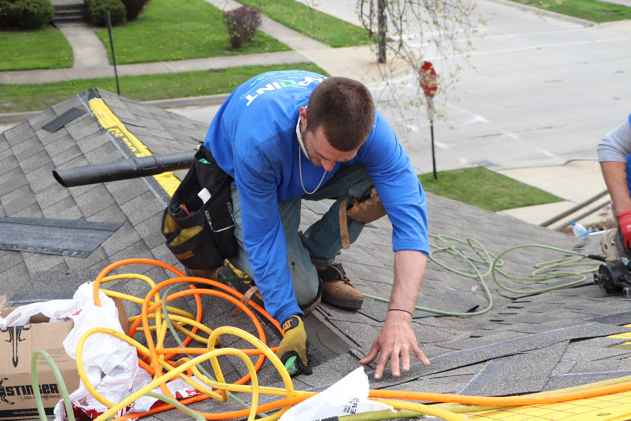 When to Choose Roof Replacement for Wind Damage in Canton, Michigan